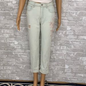 Kendall&Kylie Light Wash Floral Embroidered Jeans